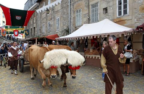 animales mercado medieval Vitoria