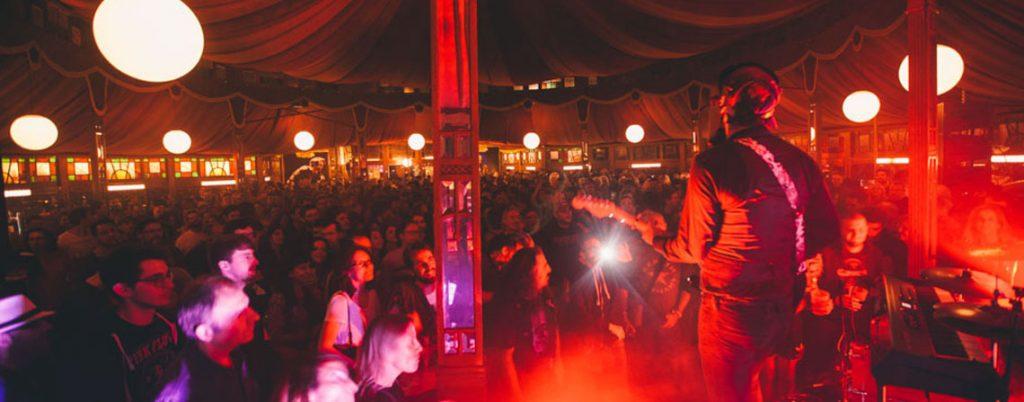 azkena-rock-festival-trashville-interior1-1024x402