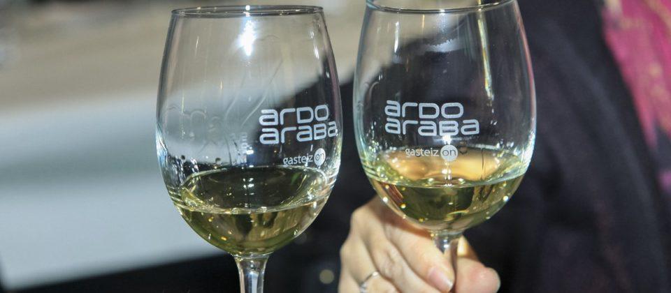Ardoaraba 2019 Copas de vino
